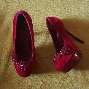 Velvet and bows platform heels 7